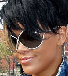 eca1351f1ce0 Rhi in oversized twist! Celebrity SunglassesStylish SunglassesWearing  GlassesCeleb StyleFamous FacesRihannaTom ...