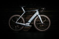 Trek 2026 concept bike. For Trek World 2016, a group of designers envisioned what a bike might look like a decade later in 2026, for Trek's 50th anniversary.My contributions to the project included color, graphics, icons and naming. Industrial design an…
