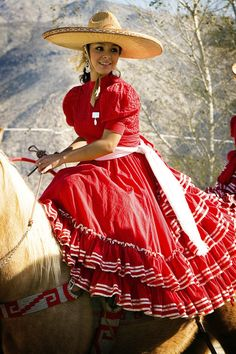 Escaramuza Art | Displaying (14) Gallery Images For Charra Mexicana Art... Mexican Quinceanera Dresses, Mexican Dresses, Traditional Mexican Dress, Traditional Dresses, Mexican Rodeo, Mexican Girls, Vestido Charro, Mexican Costume, Mexico Culture