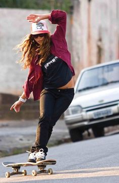Leticia Bufoni Pro Skater X Games. Makes me miss my board...as mediocre as I am.