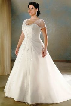 How To Select Plus Size Wedding Dresses. Read more: http://memorablewedding.blogspot.com/2014/03/how-to-select-plus-size-wedding-dresses.html