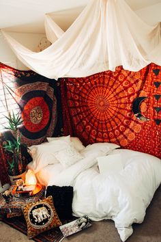 edroom-decor-hippie-home-decor-boho-bedroom-gypsy-bedroom-decor-indie-decor-boho.- edroom-decor-hippie-home-decor-boho-bedroom-gypsy-bedroom-decor-indie-decor-boho… Carol Salinas bohemian Bedrooms Carol Salinas edr. Bohemian Bedroom Design, Bohemian Bedroom Decor, Boho Room, Cozy Bedroom, Bedroom Apartment, Girls Bedroom, Bedroom Ideas, Bohemian Living, Gypsy Bedroom