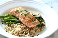 Sous Vide Salmon with Lemon Beurre Blanc Shrimp Pasta Dishes, Seafood Dishes, Seafood Recipes, Cooking Recipes, Sous Vide Salmon Recipes, Cooking Salmon, Summer Recipes, Great Recipes, Favorite Recipes