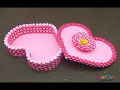 Quilling gift box ideas, DIY heart for valentine Paper Quilling Patterns, 3d Quilling, Quilling Paper Craft, Paper Gift Box, Diy Gift Box, Diy Box, Chocolate Christmas Gifts, Chocolate Diy, Foam Crafts