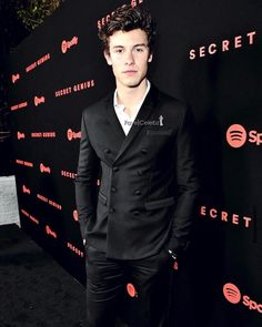 "5,455 Likes, 26 Comments - Shawn Mendes Updates (@shawnmendesupdates1) on Instagram: ""Shawn at the @Spotify Secret Genius Awards tonight in LA"""