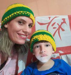Gorro Mãe  amp  Filho  gorro  verde  amarelo  copa  copadomundo   589c1b6417f