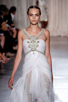 Marchesa - Ready-to-Wear - Spring-summer 2013 - http://en.flip-zone.com/fashion/ready-to-wear/fashion-houses-42/marchesa-3283