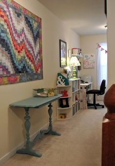 A great crafting space, read some tips for staying organized!