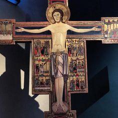 Late 12th-century crucifix by an unknown artist from Tuscany #goth #instaart #sacredart #blood #美術館 #toscana #museum #instamuseum #museo #tuscany #cross #catholica #painting #arte #crucifixion #death #saints #pintura #museo #jesuschrist #ars_sacra #christ #muerte #italia #pisa #morbid #italy #macabre #jesus #kunst