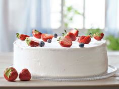 Simple, easy and beautiful cake. Let Them Eat Cake, Beautiful Cakes, Yummy Cakes, Panna Cotta, Cheesecake, Pudding, Baking, Simple, Ethnic Recipes