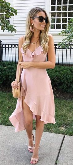 Top Spring And Summer Outfits Women Ideas- Top Frühling Und Sommer Outfits Frauen Ideen Top Spring And Summer Outfits Women Ideas - Hot Summer Outfits, Summer Wedding Outfits, Summer Dresses, Dress Wedding, Casual Wedding Outfit Guest, Outfit Summer, Trendy Wedding, Wedding Simple, Wedding Beach
