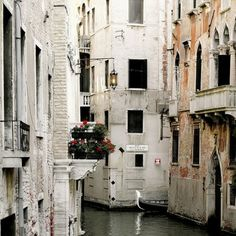 Venice, Italy #besogiveaway