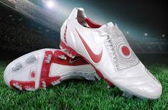 Nike Total 90 Laser.