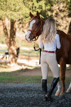 Women's Equestrian, Equestrian Outfits, Sexy Cowgirl Outfits, Girly Outfits, Nice Outfits, Cute Horse Pictures, Horseback Riding Outfits, Horse Girl Photography, Horse Riding Clothes