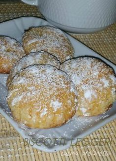 Here you can find a collection of Italian food to date to eat Italian Cookie Recipes, Sicilian Recipes, Italian Cookies, Italian Desserts, Sicilian Food, Biscotti Cookies, Biscotti Recipe, Dessert Dishes, Cookie Desserts