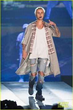Justin Bieber Begins 'Purpose World Tour' in Seattle - Peep the Complete Set List!: Photo #939656. Justin Bieber keeps things cool and casual during his first concert as part of the Purpose World Tour held at KeyArena on Wednesday evening (March 9) in Seattle,…