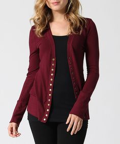 Bring a dose of snappy style to your wardrobe with this soft cotton-blend cardigan that puts a trendy twist on a classic wardrobe staple.96% cotton / 4% rayonMachine wash; hang dryImported