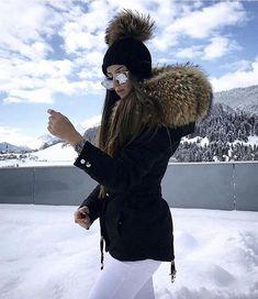 International Shopping: Shop women's fashion that ships internationally Winter Fashion Outfits, Fur Fashion, Womens Fashion, Fashion Trends, Snow Outfit, Clothing Sites, Plein Air, Comfortable Fashion, Winter Wear
