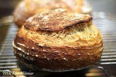 Desde que probé esta técnica para hacer pan estoy fas-ci-na-da. Un pan con todas las características ideales (para mi). Alveolado irregular...