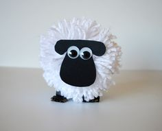 CROCHET - SHEEP / MOUTON / SCHAAP - How to make pom pom sheep - Shaun the Sheep/Timmy