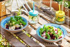 super einfacher und leckerer vegetarischer Sommersalat mit Roter Beete & Feta und frischen Kräutern Kraut, Super, Potato Salad, Potatoes, Ethnic Recipes, Food, Summer Time, Vegetarian Recipes, Cooking