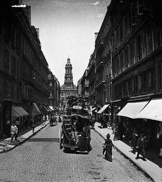 Paris (IXème arr.). La rue de la Chaussée d'Antin, vers 1890. © Léon et Lévy / Roger-Viollet