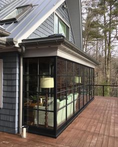 🌟Tante S!fr@ loves this📌🌟Here's an idea. Punch out your lakefront cabin to pickup 120 sq ft inside and expand an amazing view. Future House, My House, Sunroom Addition, Room Additions, Marquise, House Extensions, Architecture, My Dream Home, Indoor Outdoor