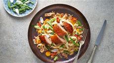 Chrumkavá kačica na ázijský spôsob s restovanou ryžou Lidl, Ale, Curry, Favorite Recipes, Ethnic Recipes, Kitchen, Food, Curries, Cooking