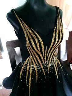 Black and gold dress - Leotards Dresses Elegant, Trendy Dresses, Beautiful Dresses, Fashion Dresses, Gold Dress, Black And Gold Gown, Gold And Black Dress, Embellished Gown, Figure Skating