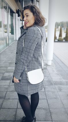 B/W Coat, for more details see on https//modecocktail.wordpress.com