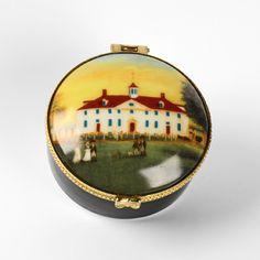 Mount Vernon 1792 Hinged Round Porcelain Box