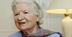 P.D. James, autora de livros policiais, morre aos 94 anos.