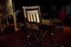 Tutankhamon s royal chairs