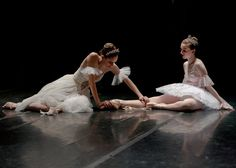 Image uploaded by Fernanda Gereda. Find images and videos about dance, ballet and ballerina on We Heart It - the app to get lost in what you love. Dance It Out, Just Dance, Alonzo King, Flexibility Workout, Flexibility Challenge, Dance Art, Dance Pics, Dance Stuff, Ballet Beautiful