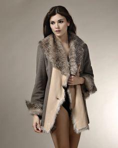 HAYDE. Lana, gris, maquillaje, animal print.