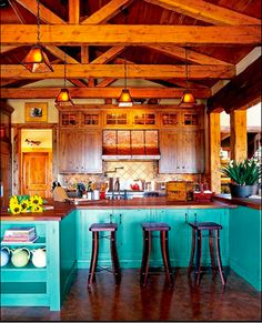Such fun colors for a lake home