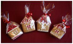 Íme az idei, 2013-as karácsonyi mézeskalács kollekcióm.                                                                Ha szeretnél Te is mézeskalácsot készíteni, korábbi írásaim között megtalálod, hogy én hogyan… Christmas Cookies, Christmas Ornaments, Ginger Bread, Cookie Decorating, Holiday Decor, Desserts, Blog, Crack Crackers, Sweets