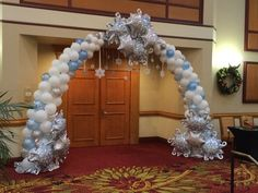 Winter Wonderland or Frozen Entrance Arch; Looking for a wintery theme or frozen theme call An Occasion Station Prom Balloons, Frozen Balloons, Birthday Balloons, Frozen Decorations, Dance Decorations, Winter Wonderland Decorations, Winter Wonderland Theme, Winter Party Themes, Christmas Party Decorations