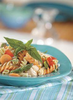 Ensalada tricolor con albahaca y limón Chef: Equipo Ensumesa Esta ensalada es un plato saludable, ideal para servir como acompañamiento de una porción de ternera o de pollo a la plancha.