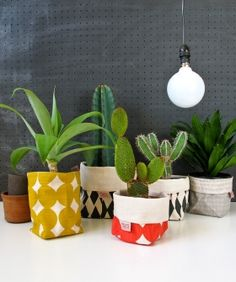 mini cache pot tissu 8 cm pour mini plante mini cactus tissus triangle style scandinave et. Black Bedroom Furniture Sets. Home Design Ideas
