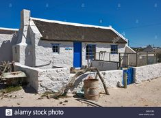 white washed reed thatched roof cottages in Kassiesbaai, Arniston, Cape Agulhas, Western Cape, South Africa Stock Photo
