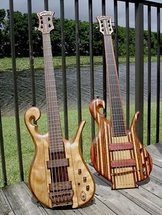 Ahhh this wonderful bass is from our personal pieces of Carl Thompson's history, talent & inventive design. It was ordered personally by The Guitar Broker (Craig Brody) & made to our specs. Our 5 String Bass was made to play & ordered with some delicious woods that compliment each oth...