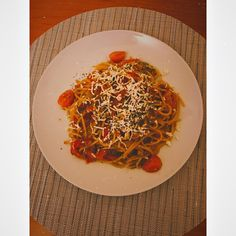 ▪️spaghetti ▪️3-5 cherry tomatoes ▪️1 carrot ▪️1 red pepper ▪️tomato paste ▪️cheese Bon appétit! 🍝 #spaghetti #pasta #pastarecipes #tomatoes #carrots #redpeppers #cheese Spaghetti, Tomato Paste, Red Peppers, Cherry Tomatoes, Bon Appetit, Pasta Recipes, 3, Carrots, Stuffed Peppers