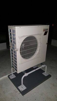 Mitsubishi Condenser Mounted On Roof With Brackets
