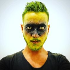 2017: no fcking idea... I loved it though! Make-up and photo by @jadr195 haha #halloween #halloween2017 #2017 #riodejaneiro #brasil #brazil #ootd #potd #fantasia #costume #halloweencostume #green #greeneyes #black #instagay #gay #lgbt #instagood #instamood #instalike #followforfollow #follow4follow