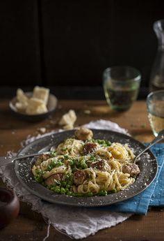 #Chic bouffe sausage and pea carbonara http://drizzleanddip.com/2013/10/17/sausage-and-pea-carbonara
