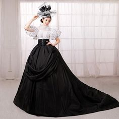Cheap ball gown, Buy Quality black and white directly from China dress dress dress Suppliers: Noble Queen Black and White Royal Ball Gowns Pageant Dress Masquerade Ball Gown Quinceanera Dress Black Quinceanera Dresses, Royal Ball Gowns, Queen Halloween Costumes, European Dress, European Style, Masquerade Dresses, Masquerade Ball, Victorian Gown, Court Dresses