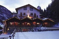 Hotel Breithorn, Champoluc - Located in the Monterosa Ski Area - Boasts an open log fire and antique furniture - Daily English and Italian newspapers delivered - Has a discreet bar with the finest malt whiskies on offer www.skiinluxury.com/resorts/italy/champoluc/luxury-hotel/hotel-breithorn