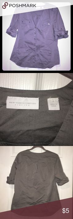 Like new button down top True grey. Great condition. Worn once New York & Company Tops Button Down Shirts