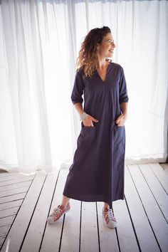 A beautiful maxi dress for women, with a winning cut and a loose fitting.  Fun to wear!
